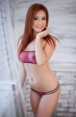 Юная девушка азиаточка, 19лет, приеду в гости к мужчине